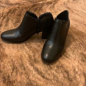 NEW Jack Rogers black booties size 6